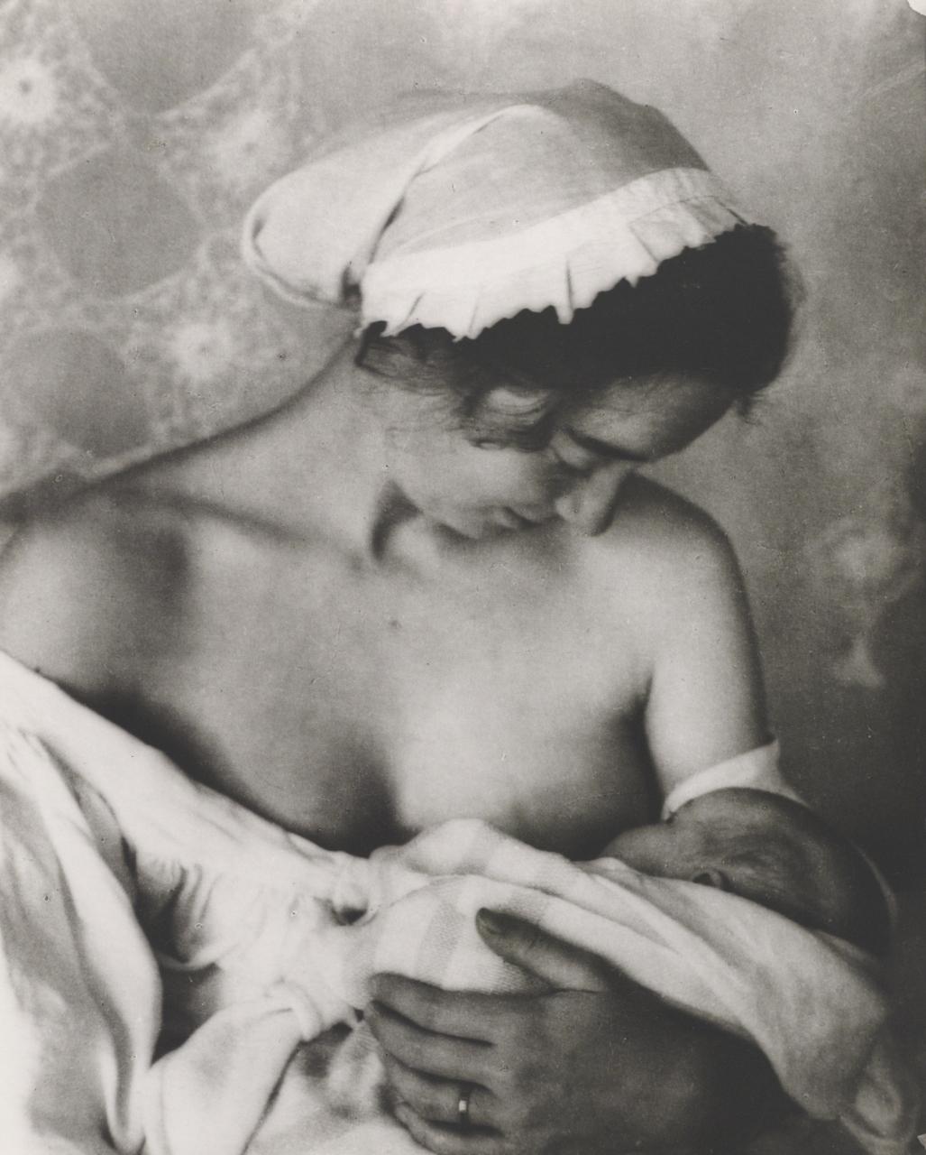 Tasha Tudor 1940 nursing baby