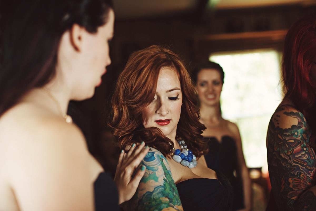 J+H_Wedding_BridePrep_525