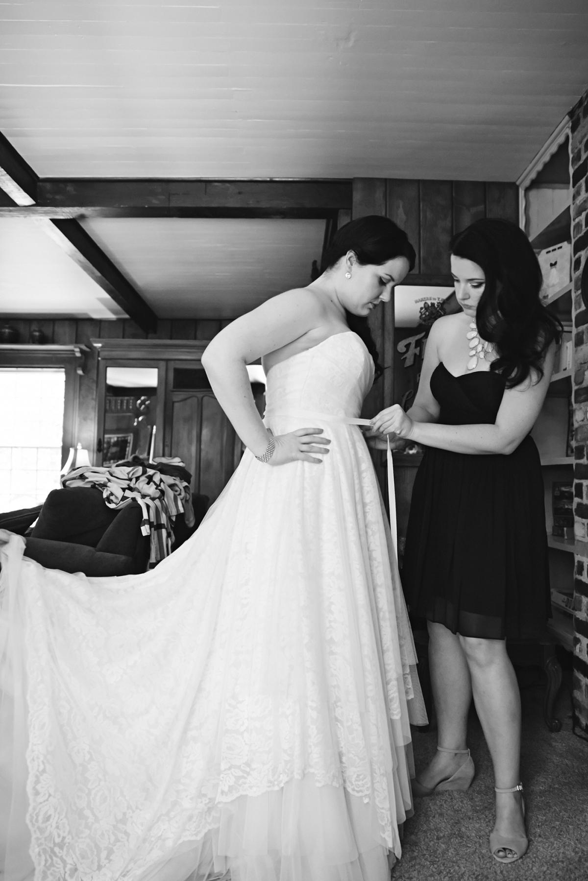 J+H_Wedding_BridePrep_596