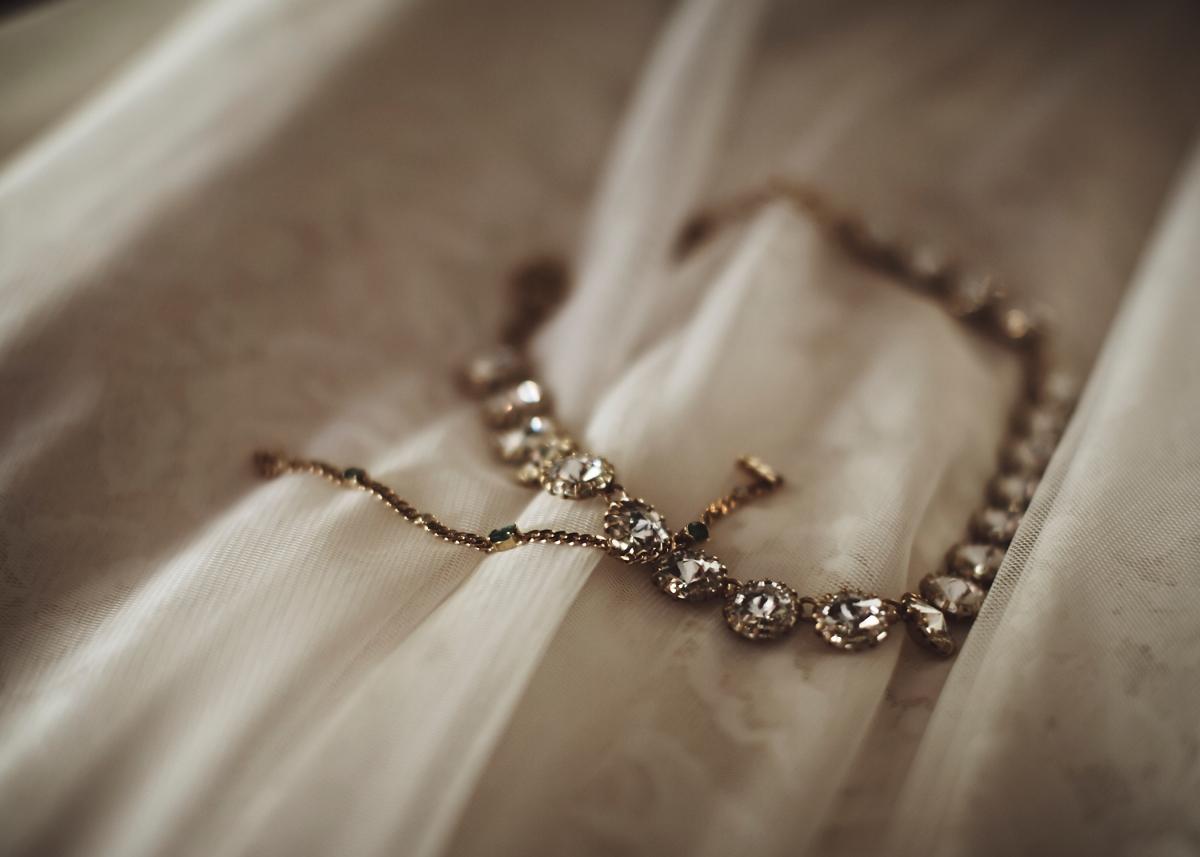 J+H_Wedding_BridePrep_839