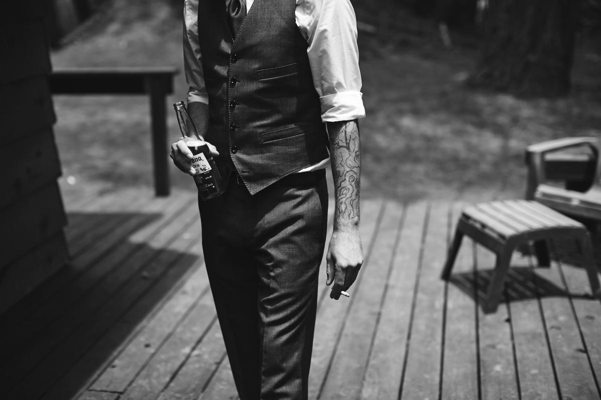 J+H_Wedding_GroomPrep_0259