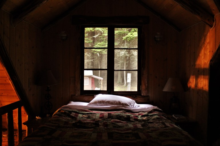 Log Cabin Bedroom Whidbey Island WA
