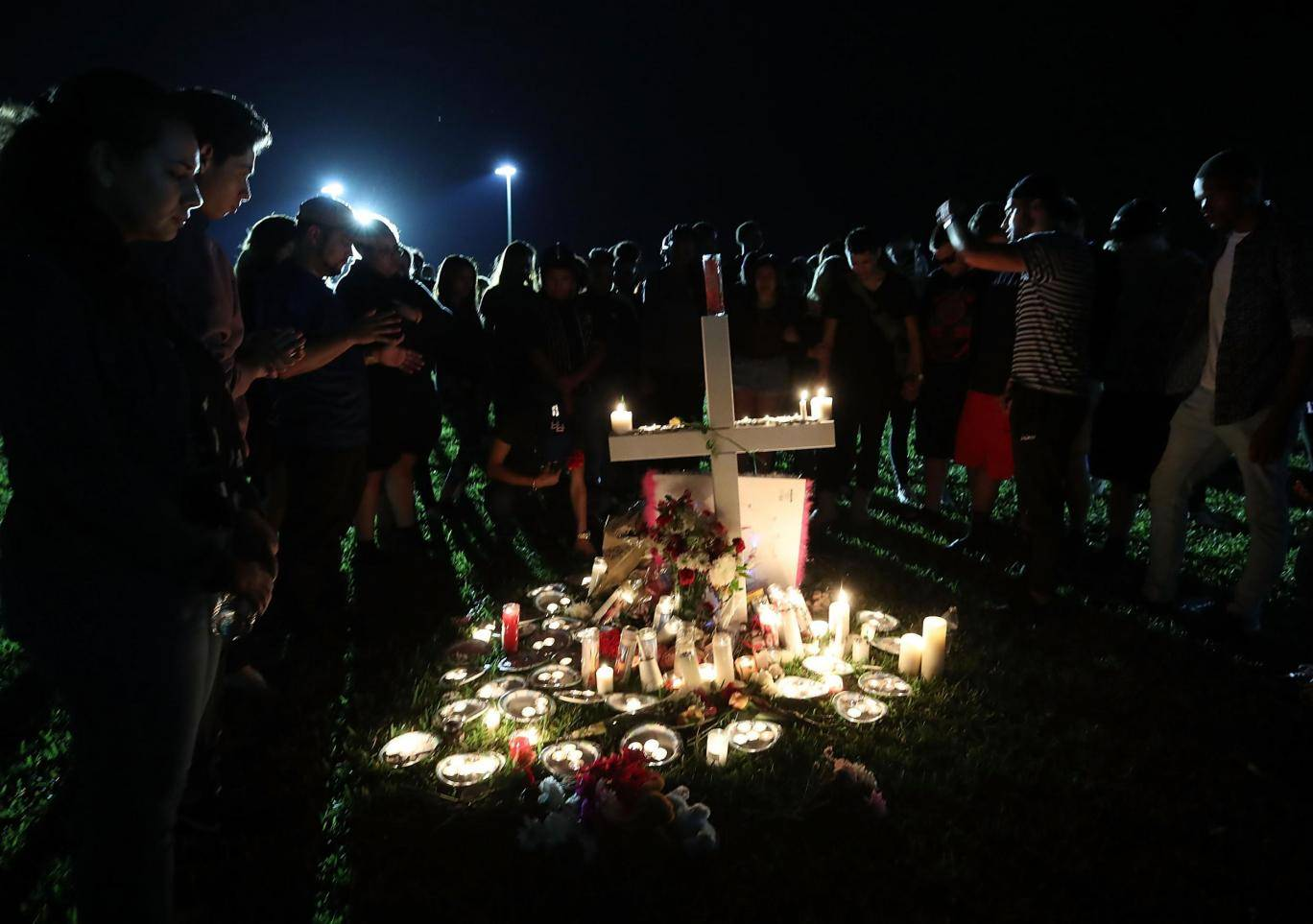 parkland-florida-school-shooting-vigil-2018